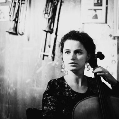 Portrait Musikerin deelinde